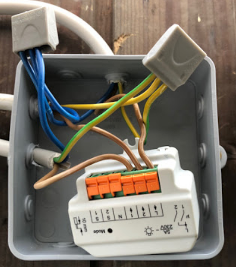 HomeMatic HM-LC-Sw2-FM inside junction box